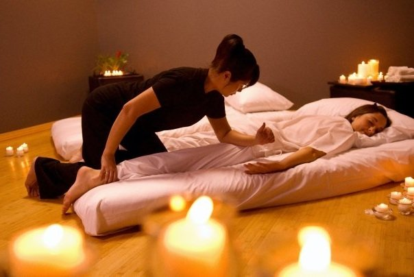 thai_massage_technique